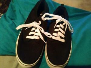 Faded Glory Black Canvas Lace-up