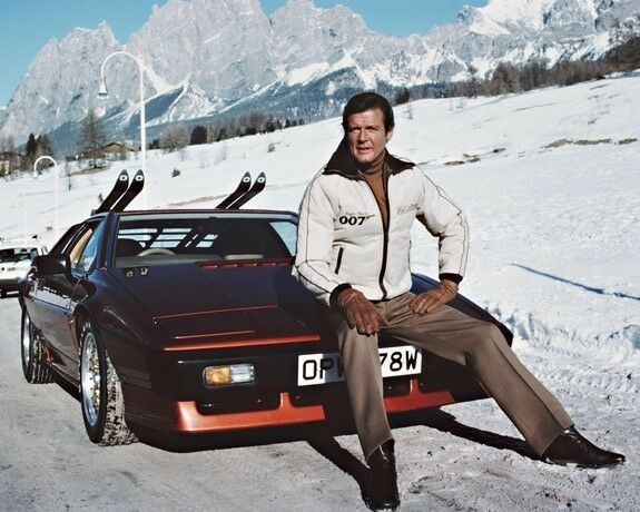 James Bond 007 Roger Moore Lotus Esprit Snow 10x8 Photo