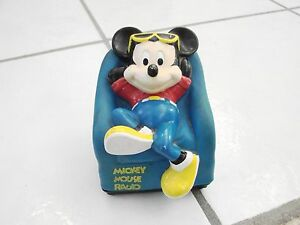 VINTAGE-MICKEY-MOUSE-AM-RADIO-MICKEY-RELAXING-ON-A-CHAIR-WORKS-SOME-Novelty