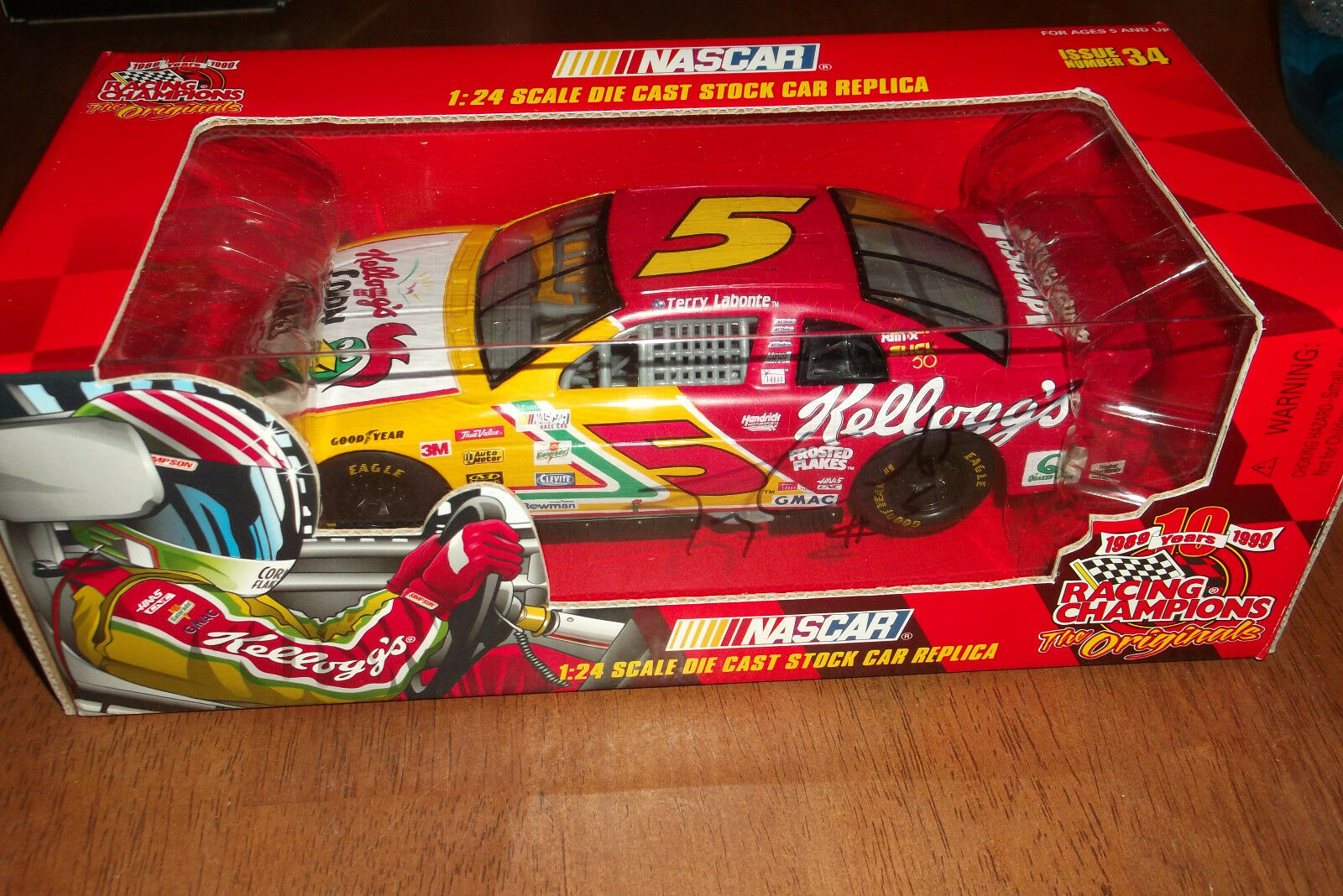 TERRY LABONTE AUTOGRAPHED KELLOGGS 1 24 SCALE RACING CHAMPIONS ISSUE 34 (44)
