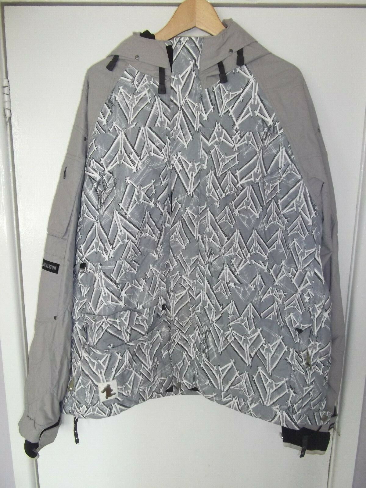 Mens SECTION DIVISION GREY SNOW COAT SIZE LARGE