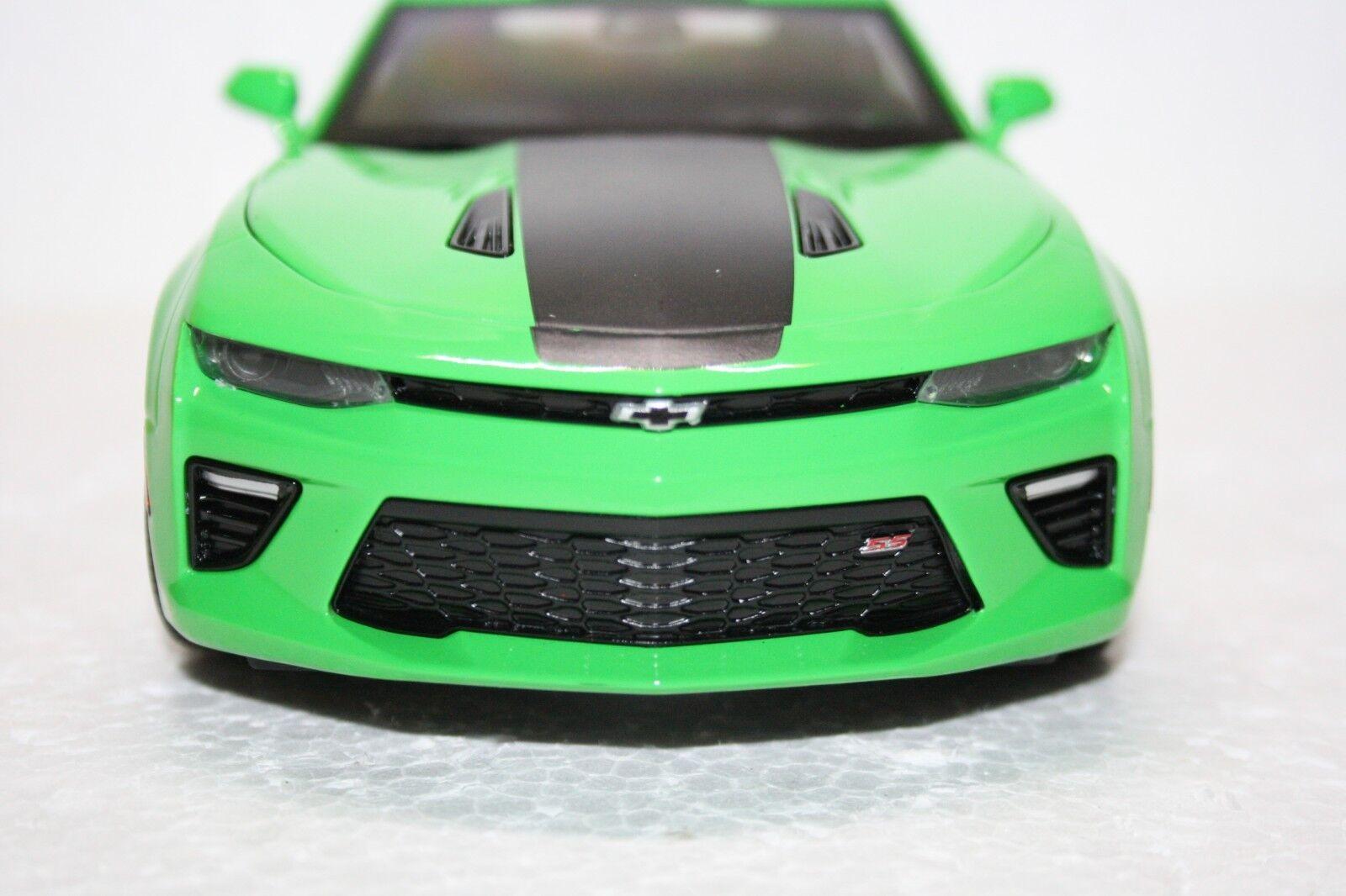 Chevrolet Camaro SS • 2017 • NEU • AutoWorld AutoWorld AutoWorld • 1 18 2780dc