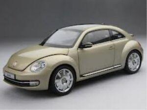VW-Coccinelle-Coupe-roche-lunaire-argent