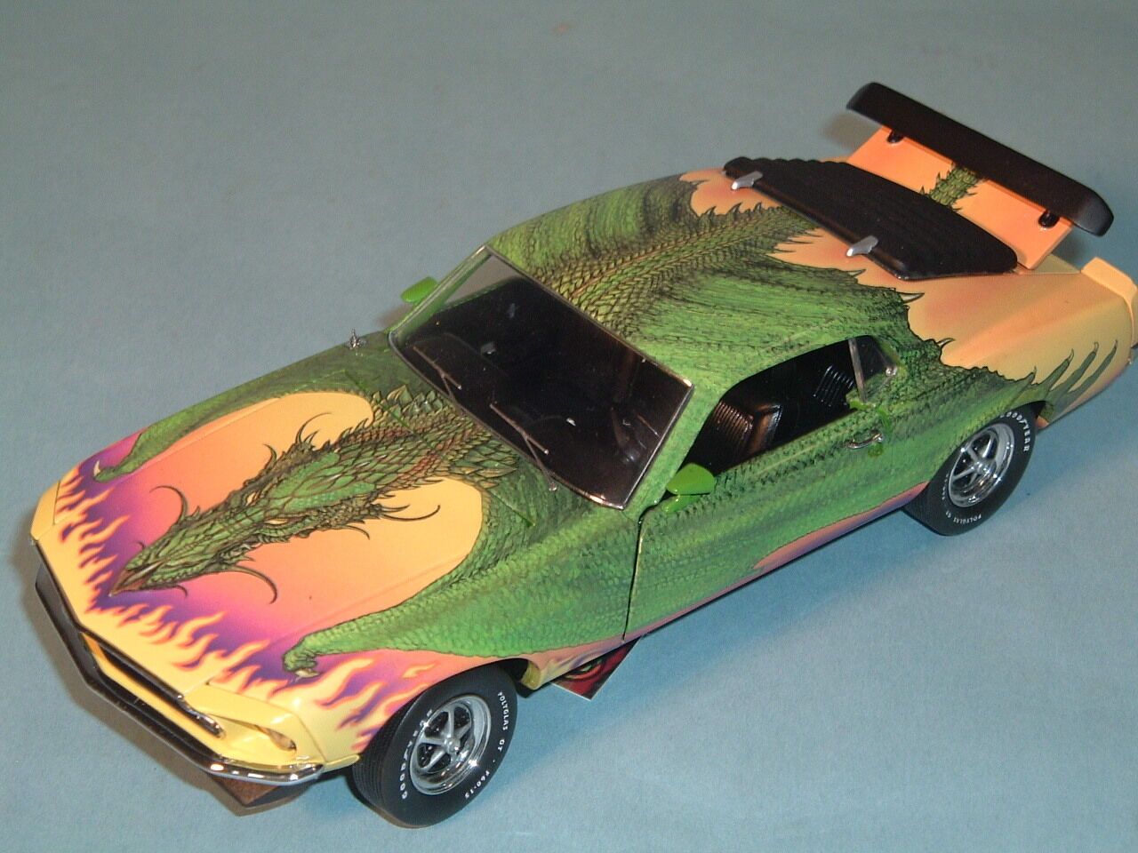1969 1969 1969 FORD MUSTANG BOSS 302 DRAGON POWER FRANKLIN MINT 1 24 DIECAST & DISPLAY 0c7ea5