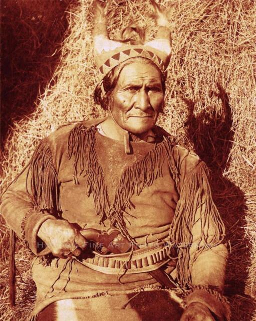 APACHE INDIAN CHIEF GERONIMO VINTAGE PHOTO WARRIOR HORNED HEADDRESS  #21164