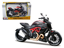 DUCATI DIAVEL CARBON BIKE 1/12 MOTORCYCLE DIECAST MODEL BY MAISTO 31196