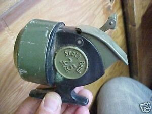 Vintage-South-Bend-Spincast-25-Fishing-Reel-Hong-Kong