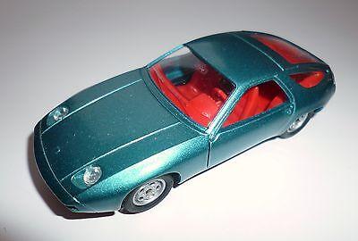 Porsche 928 in blau bleu azuro blue metallic, Solido in 1:43, ca. 10,4 cm long
