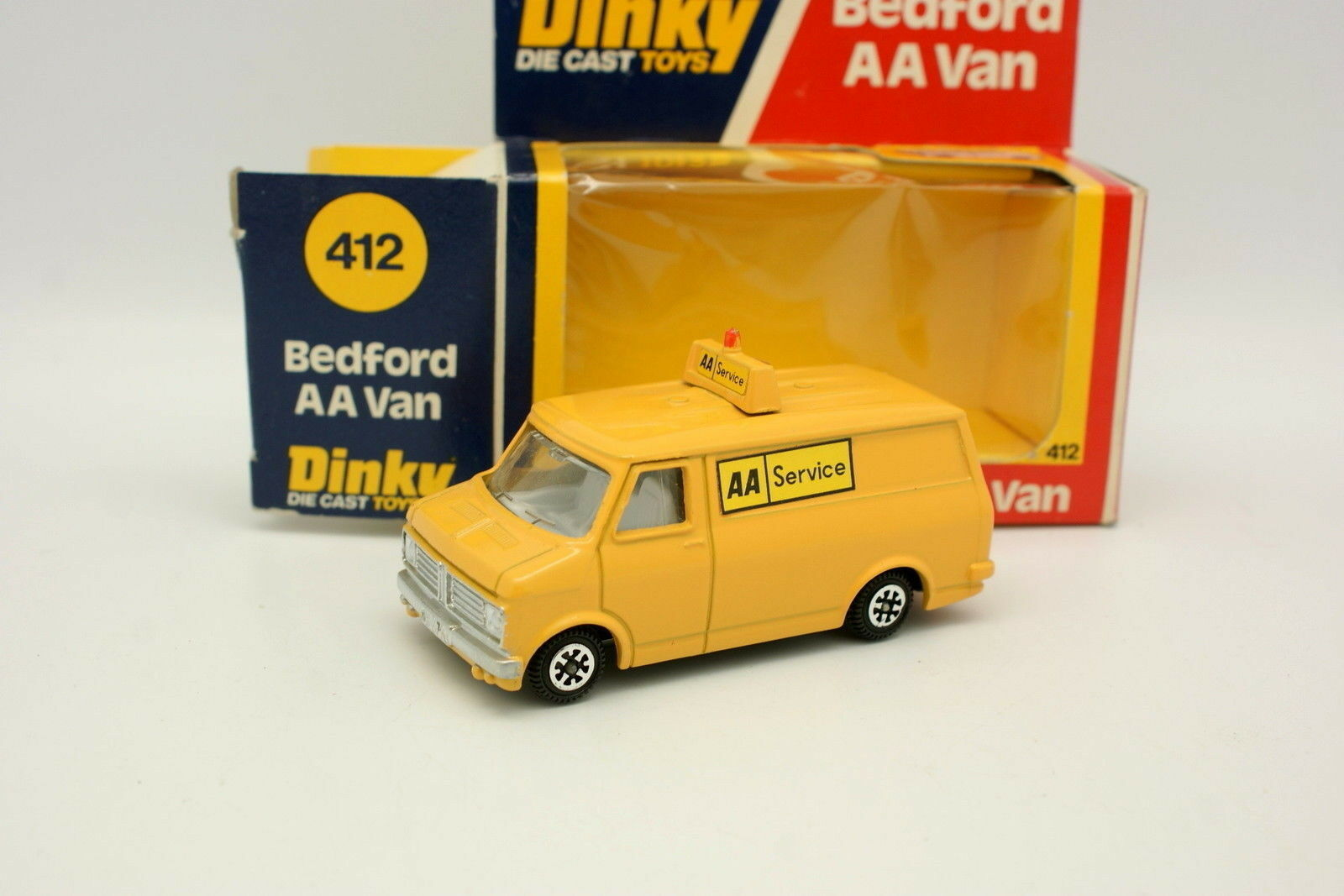 Dinky Toys GB 1 50 - Bedford AA AA AA Van aa Estación de 412 d88074