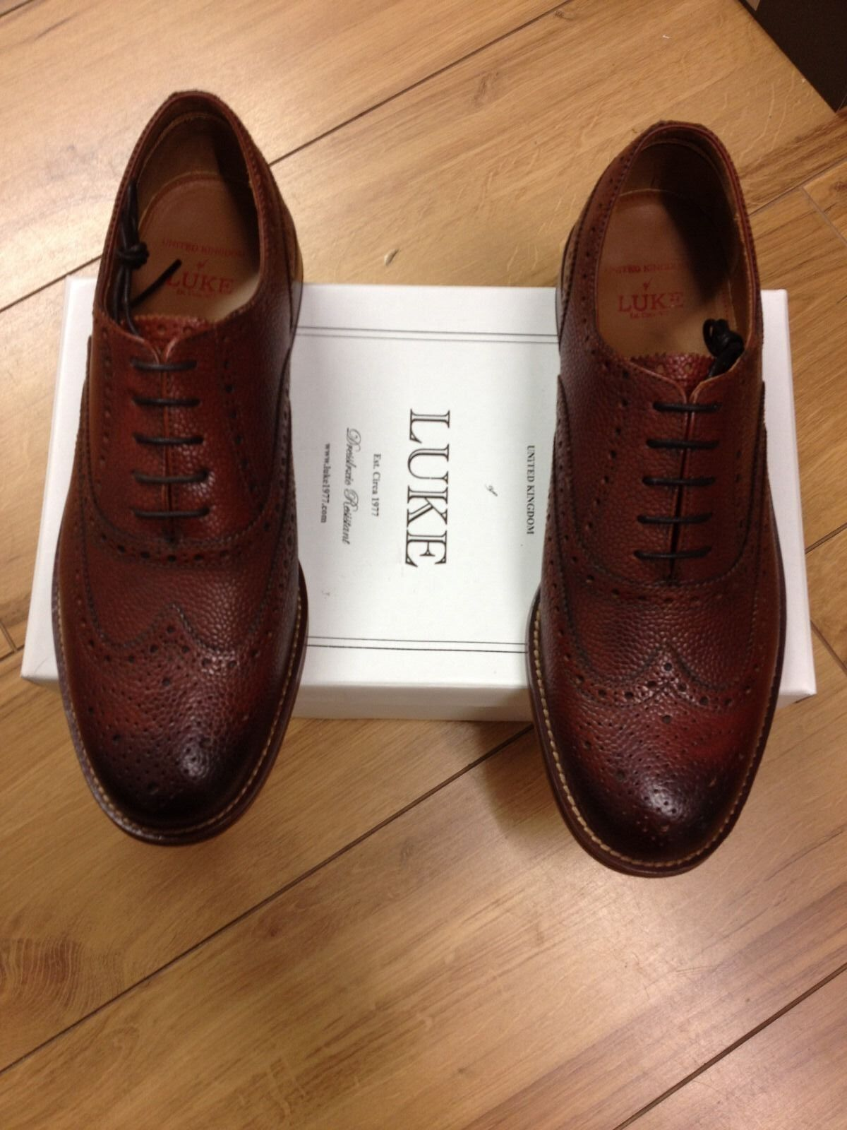 LUKE MENS LEATHER BROGUE IN CHERRY COLOUR.SIZE 7 REDUCED T0