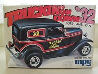 Vintage Mpc - Truckin' On Down '32 Ford Panel Van Street Rod Model Kit (opened)