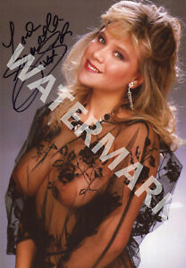 SAMANTHA-FOX-SIGNED-10X8-PHOTO-GREAT-COLOUR-IMAGE-LOOKS-AWESOME-FRAMED