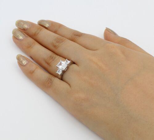 2.50 Ct 14K White Gold Emerald 3 Stones Wedding Engagement Propose Promise Ring