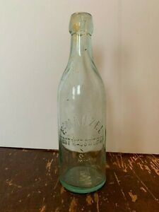 Vintage-E-Manzel-Fort-Wadsworth-Staten-Island-Embossed-Bottle