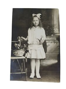 Vintage-Real-Photo-Post-Card-Pretty-Young-Lady-w-A-Basket-of-Flowers-AZO-1920-039-s