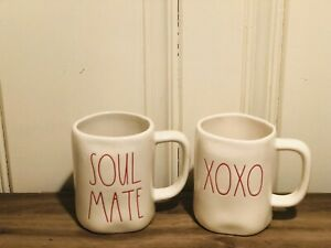 Rae-Dunn-Valentine-By-Magenta-Red-Lettering-SOUL-MATE-XOXO-Coffee-Mug-Set-of-2