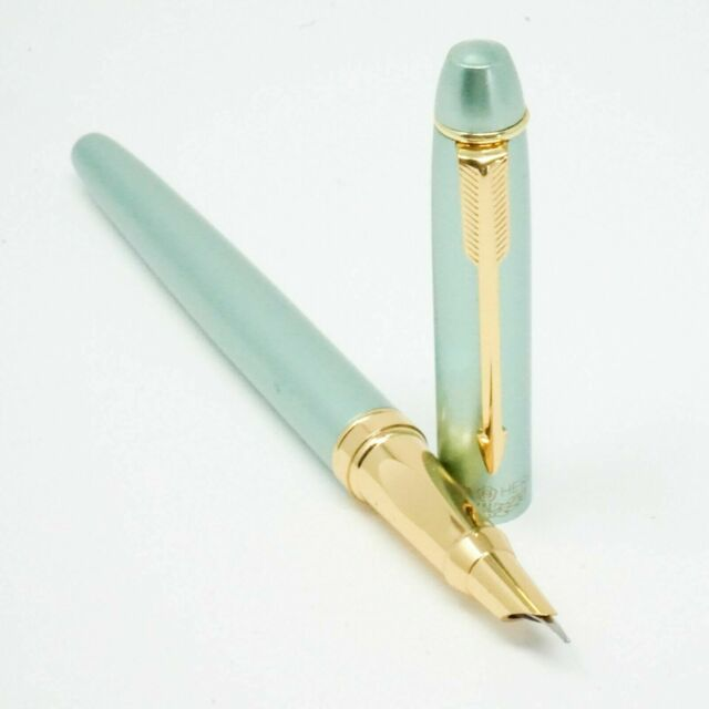 UK! HERO #7035 White Pearl Fountain Pen Fine Hooded Nib Gold Trim Arrow Clip