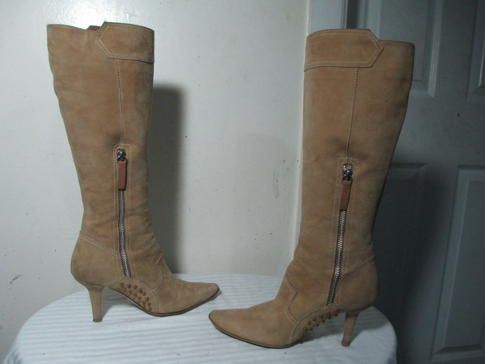 TOD'S WOMEN TAN SUEDE 'T' LOGO BUTTON DETAIL SIDE ZIP KNEE HIGH BOOTS 36 US 5.5