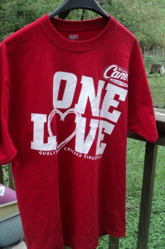 New w//o tag~Raising CANE/'S Chicken Fingers Crew T-Shirt//Tee~100/% Cotton~Red~sz M