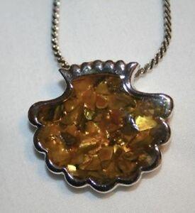 Ambertone-Speckled-Scallop-Shell-Silvertone-Necklace