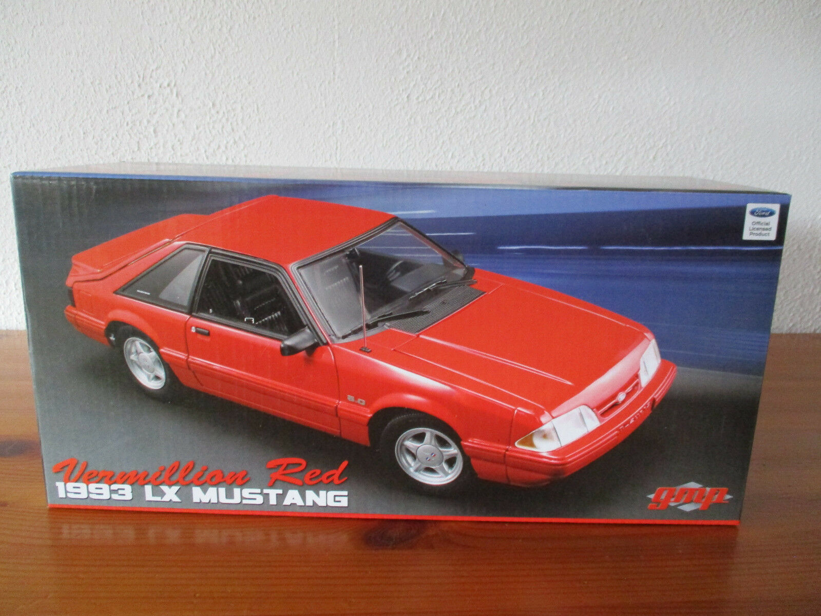 ( GOR ) 1 18 GMP 1993 Ford Mustang LX 5.0 nuevo emb. orig.