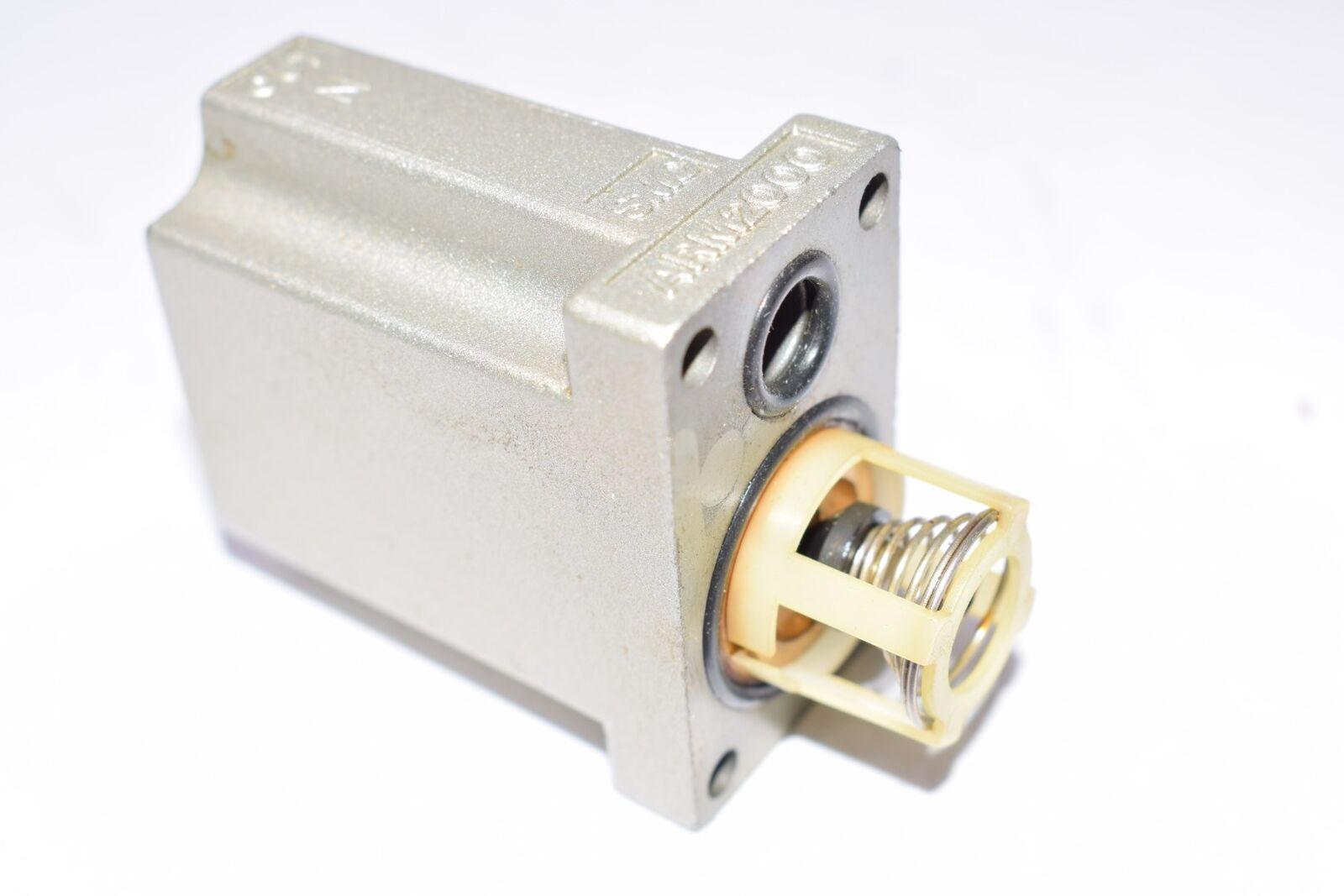 SMC ARM2000 Pneumatic Regulators w// 2-Station Manifold