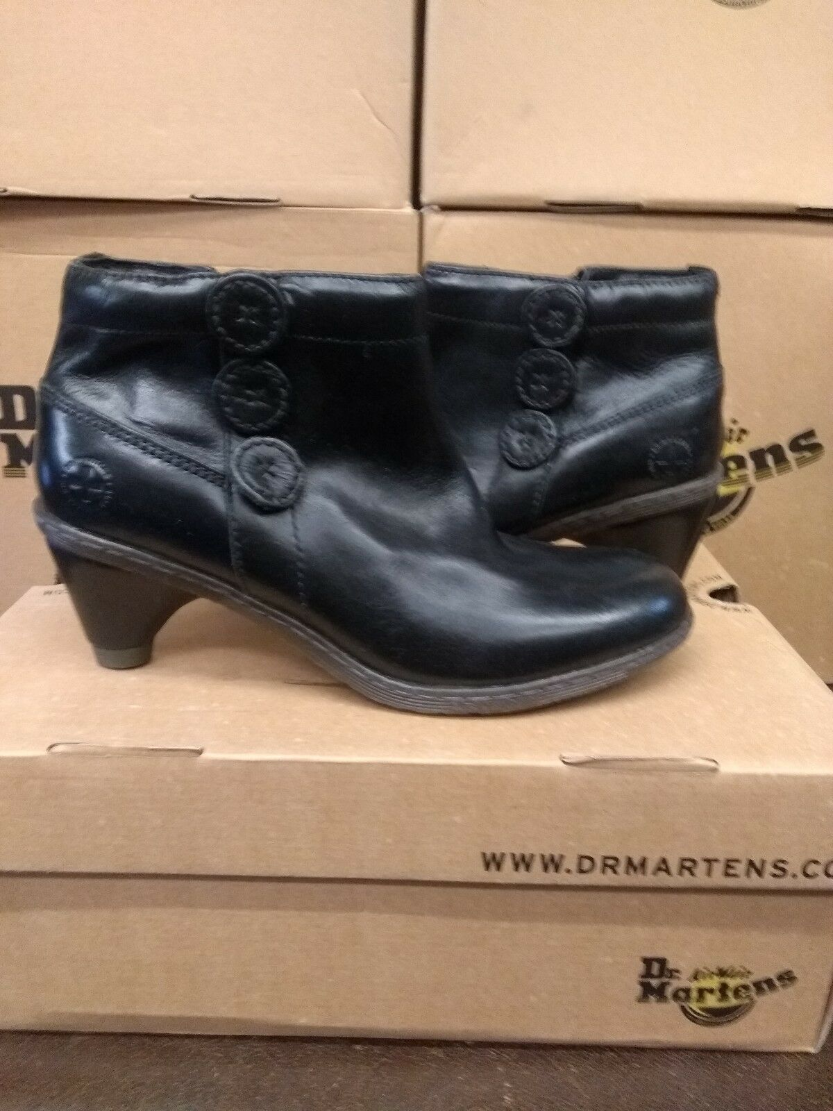DR MARTENS 4 LADIES DIA BOOT SIZE 4 MARTENS 83db22