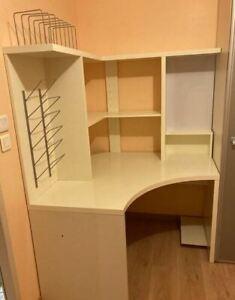 Bureau d'angle en bois
