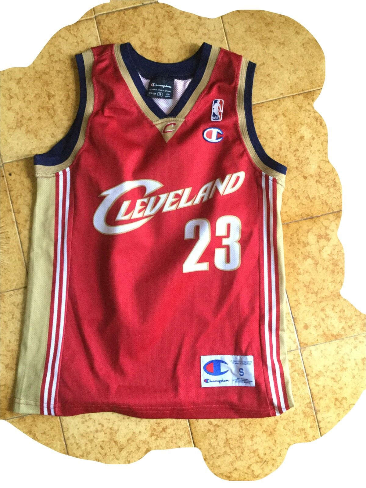 Maglia basket NBA CLEVELAND JAMES 23jersey shirt trikot 7 8 years YOUNG