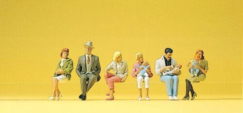 Preiser 10332 H0 Figuren Sitzende Personen