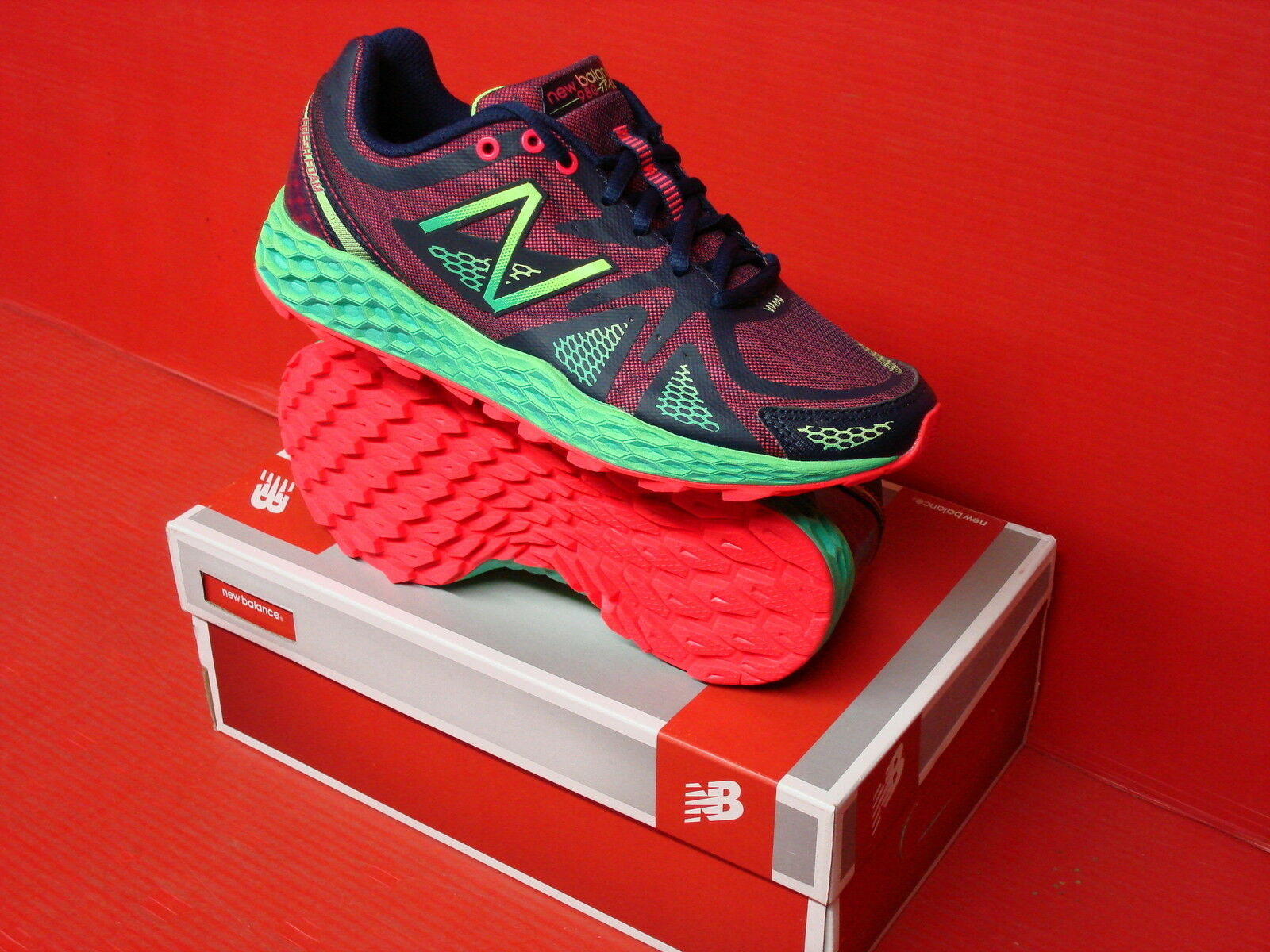 NEW BALANCE 980 TRAILING RUNNING WOMENS WT980