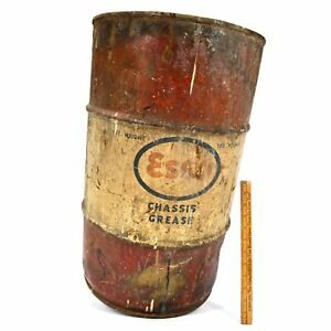 Vintage-ESSO-034-CHASSIS-GREASE-034-DRUM-034-100-Pounds-034-Barrel-Can-24-034-T-x-14-034-dia-PATINA