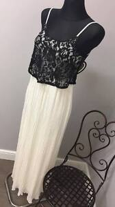 d25ace4b1d6 ASOS Club L Pleated Maxi Dress with Lace Overlay (AS-18 30)