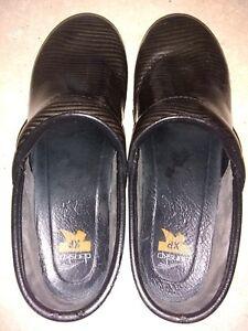 Dansko-XP-Patent-Leather-Striped-Clogs-Shoes-Women-039-s-Size-8-EUR41