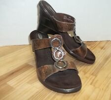 Lovely Avant Wedge Sandals Waterfall Heel Hammered Pewter Toned Rings 7 1/2 M