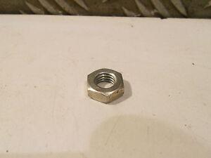 Debroussailleuse-Mc-Culloch-Mac-25-Ecrou-de-serrage-du-volant-magnetique