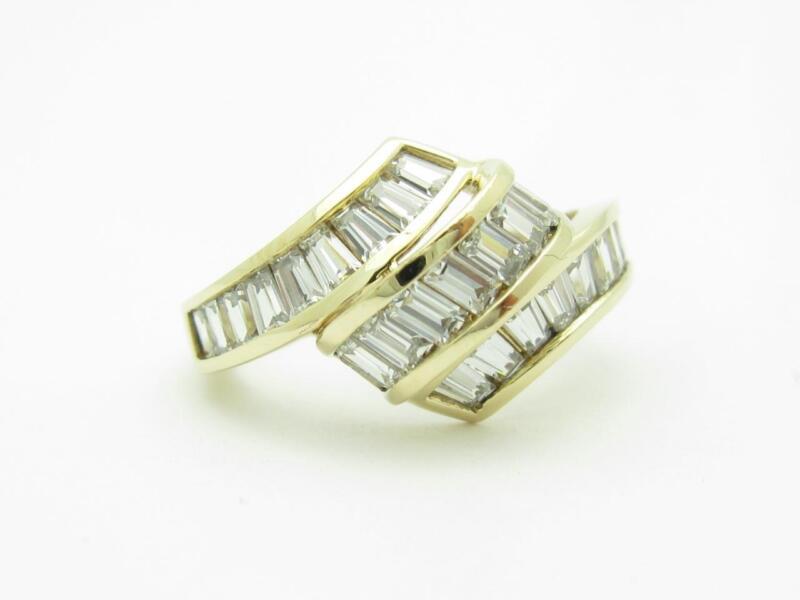 14k Yellow Gold & Cubic Zirconia Cz Baguette Channel Set Design Twist Band Ring