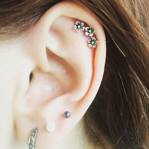 1 Pcs Chic Three Flowers Cartilage Earring Ear Stud Climber Helix