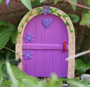 NEW-SMALL-PINK-FAIRY-DOOR-GARDEN-ORNAMENT-TREES-OR-WALL-FO-14624A