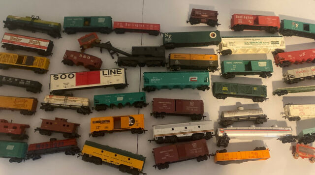 Vintage Lot Of 40 HO Train Cars.  Various Styles And Brands.