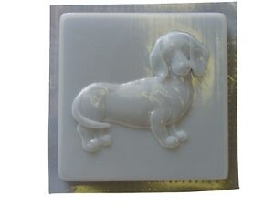 Dachshund-Dog-Stepping-Stone-Plaster-or-Concrete-Mold-1259-Moldcreations