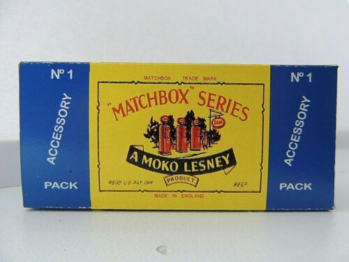 Matchbox Lesley  A-1 Garage Pumps and Sign Empty Repro B style Box