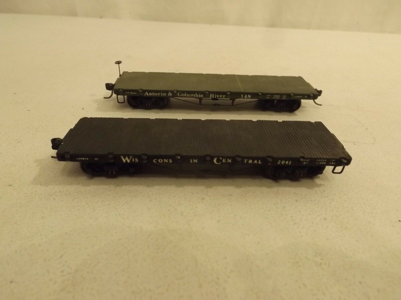 (2) HO LaBelle flat cars origbx - Wisconsin Central & Astoria and colgolddo Rivr