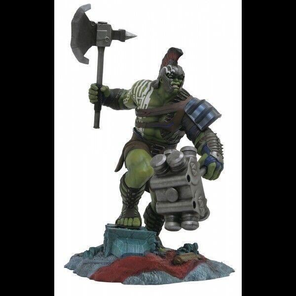 - =] Diamond Select-Marvel Gallery Hulk Ragnarok Statue [= -