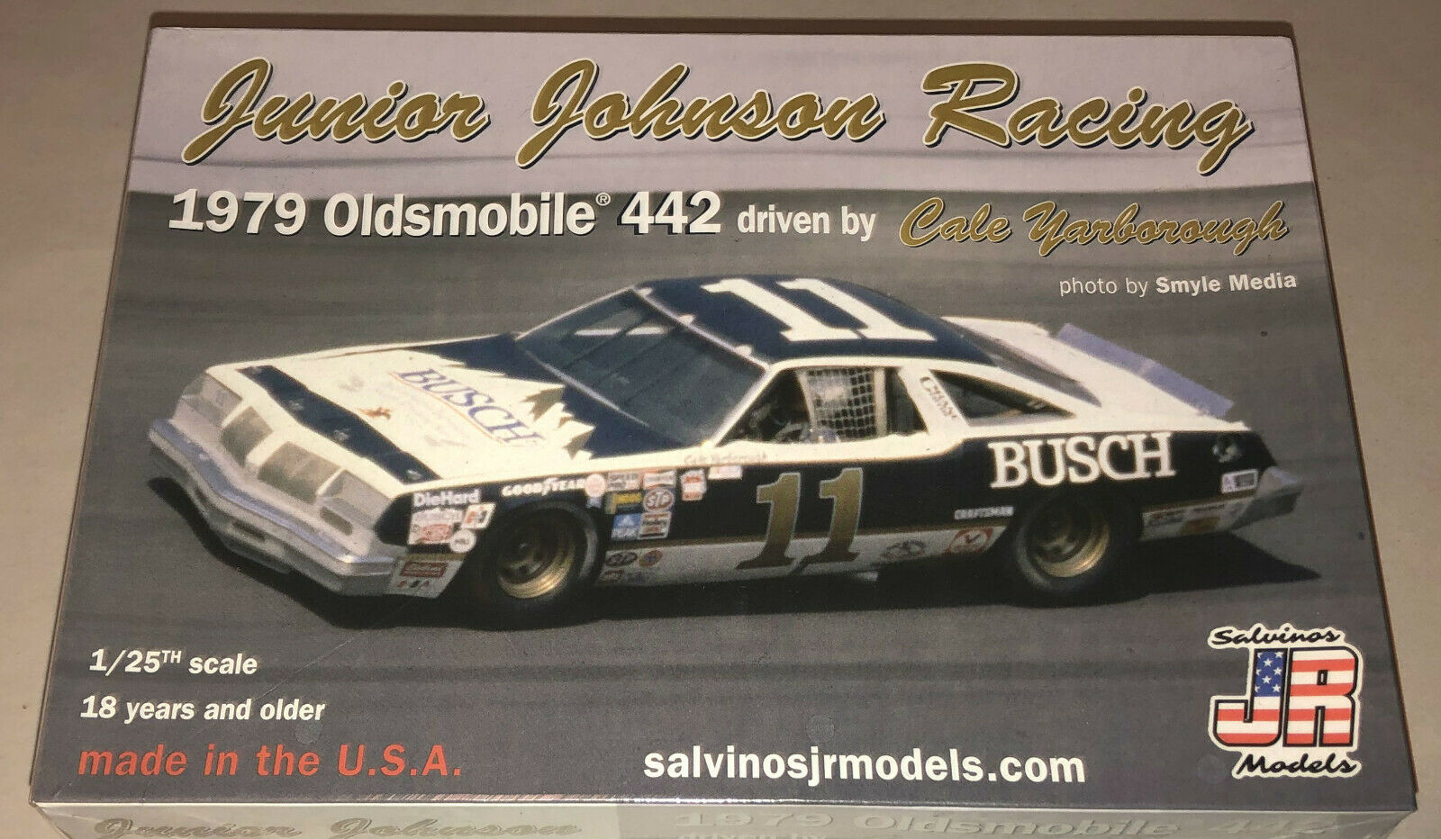 Salvino JR Junior Johnson 1978 Oldsmobile 442 Cale Yarborough plastic model 1//24