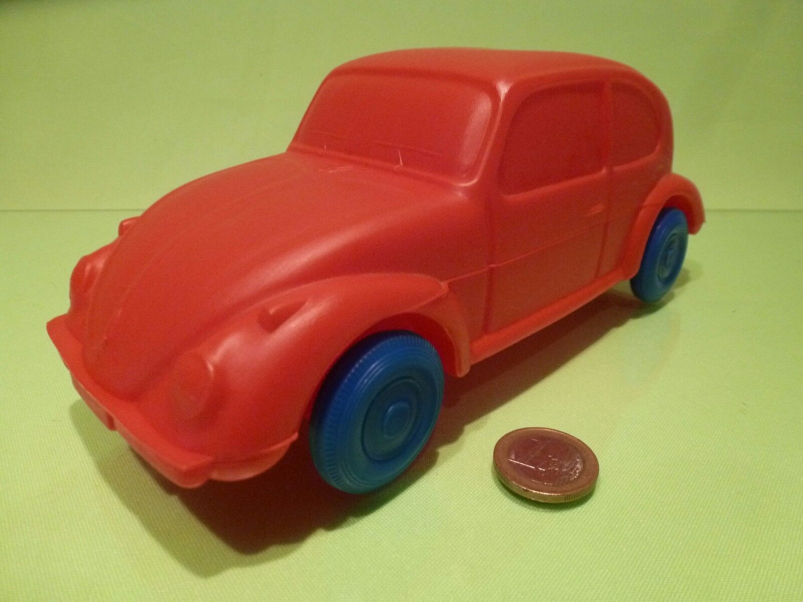 VINTAGE PLASTIC OLD VW VOLKSWAGEN BEETLE - PROMO - rosso L23.0cm - WEST GERMANY