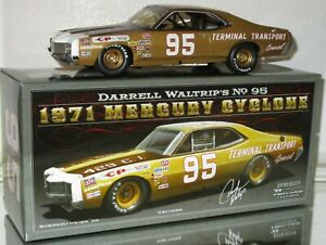 University-of-Racing-1971-Darrell-Waltrip-95-AUTOGRAPHED-Mercury-Cyclone-1-24