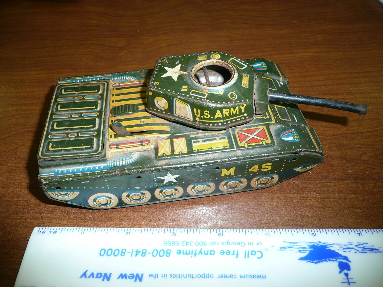 US METAL M-45 ARMY TANK  NOT WORKING --battery operated