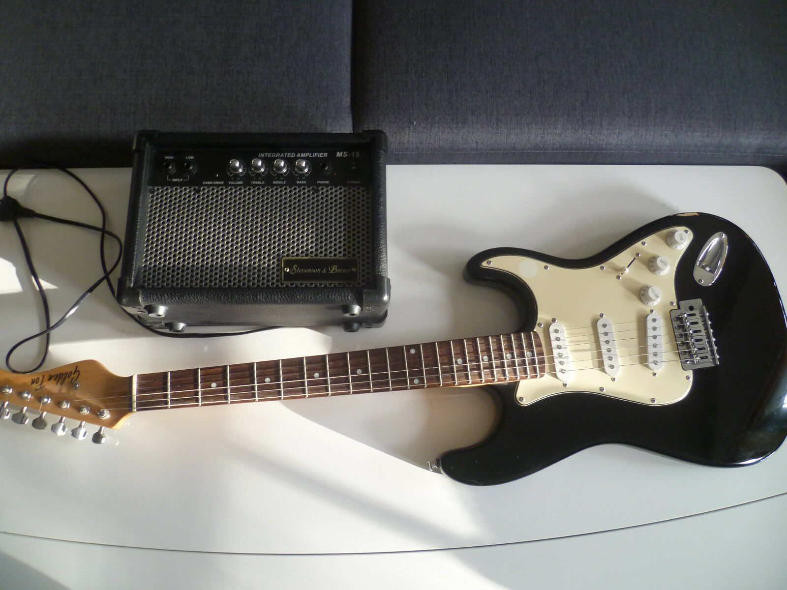 E Gitarre Golden Ton und top Stevenson & braun MS 15 Verstärker