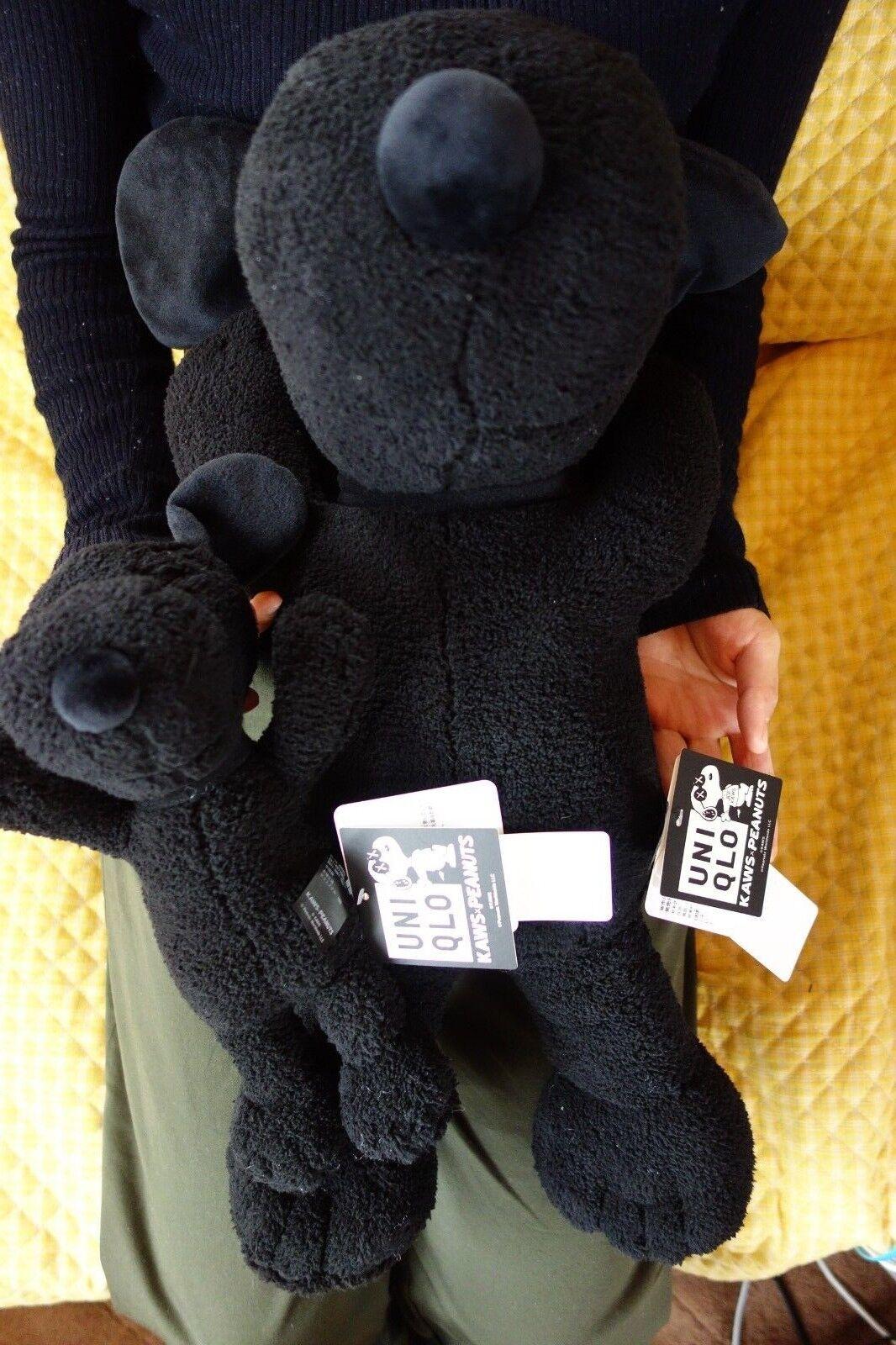 KAWS x UNIQLO Peluche Lot de 2 S & M taille PEANUTS Noir Snoopy LIVRAISON GRATUITE
